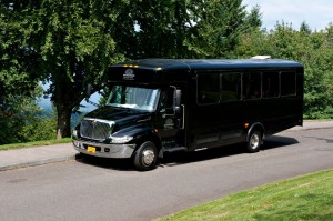 Black-Party-Bus-01